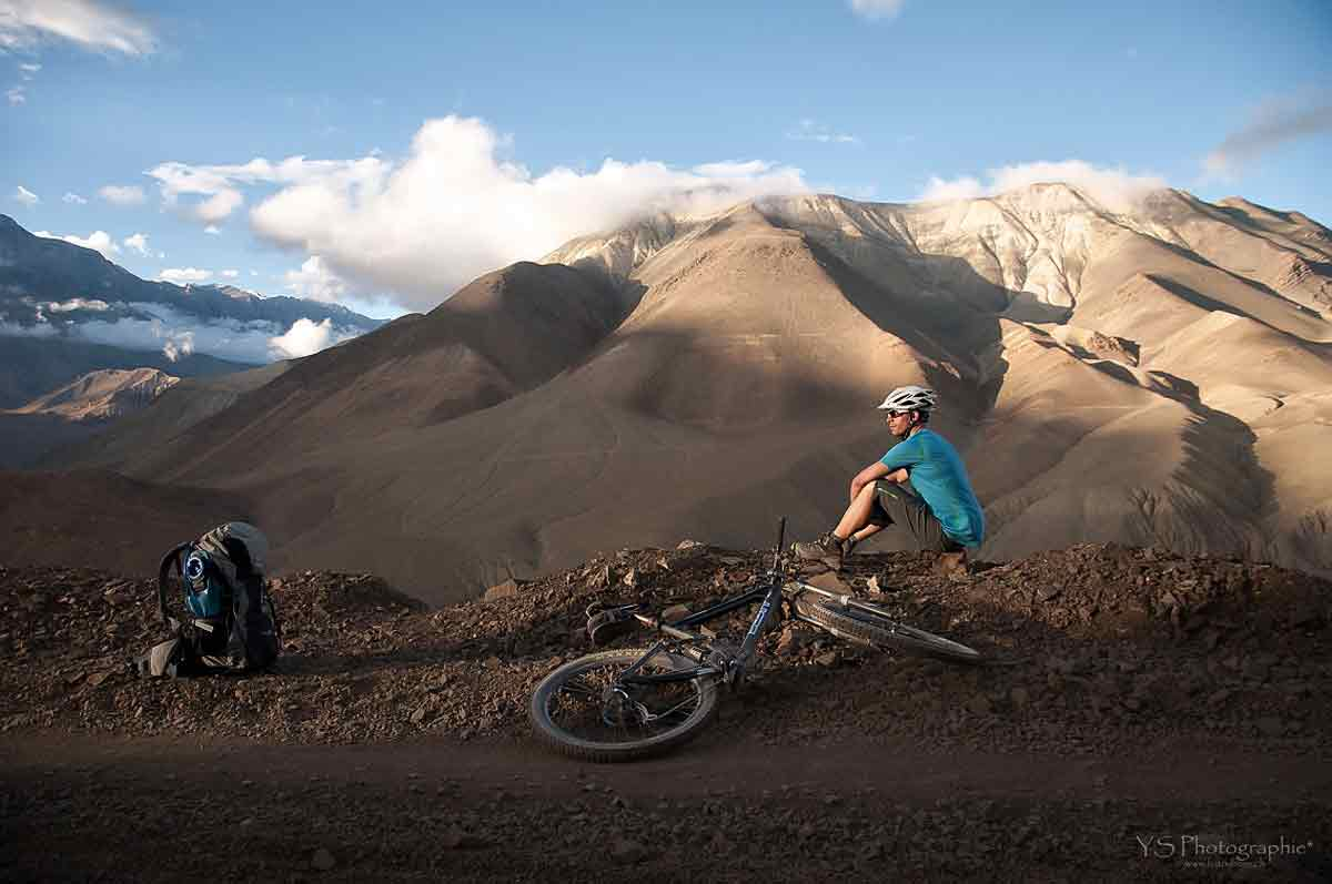 MOUNTAIN BIKE TO UPPER & LOWER MUSTANG